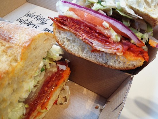 Tsawwassen, Kanada: Spicy Italian with salami, capicollo and cheese
