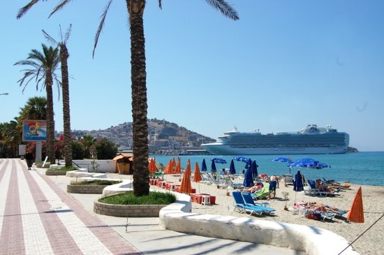 It's OK for the city centre - Review of Downtown Beach, Kusadasi ...