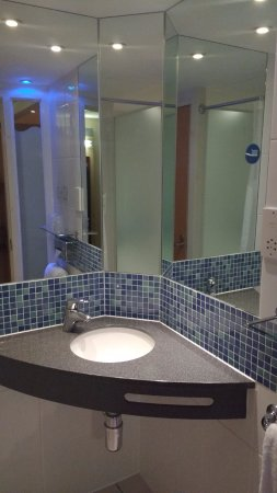 Holiday Inn Express Leicester City Photo