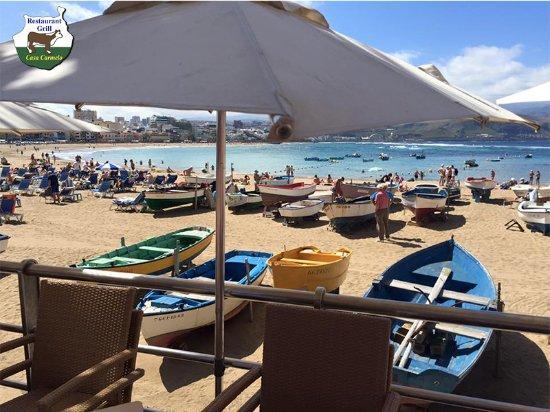 Grill Casa Carmelo:  Vistas a la Playa de Las Canteras desde nuestra terraza