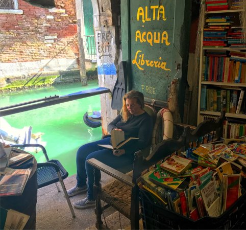 Photo of Library Libreria Acqua Alta at Calle Longa Santa Maria Formosa (campiello Del Tintor), Venice 30122, Italy