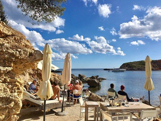 ROXY'S BEACH BAR, Portals Nous - Restaurant Reviews & Photos - Tripadvisor