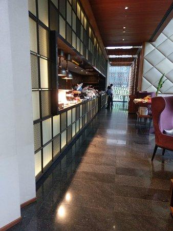 Hansar Bangkok Hotel: Part of the buffet