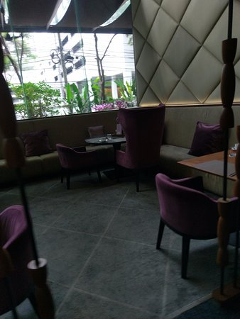 Hansar Bangkok Hotel: A small section of one of the dining areas