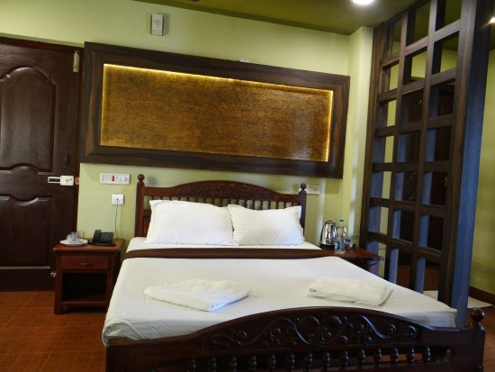 Banasura Island Retreat : It was ok, but the bed was real hard and uncomfortable !