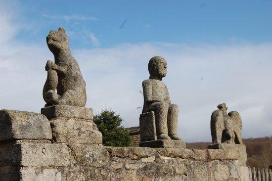 Creuse, France: le village sculpté de Masgot