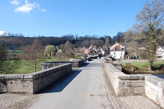 Creuse, France: le pont roman de Moutier d'Ahun