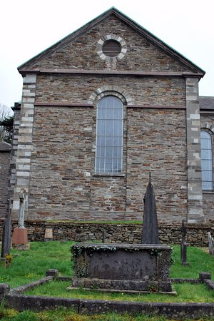 Bantry, أيرلندا: Side view of Bantry St. Finbarr's Church
