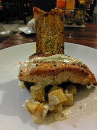 The Loft: Delicious salmon