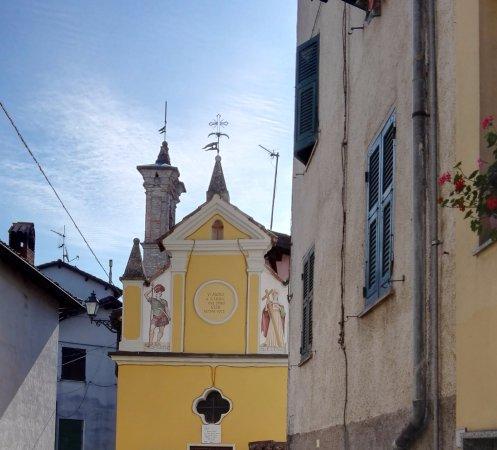 Ca du Lilan : La chiesetta del '600 della Serra a Bosio,di fianco al B&B Cà di Lilan