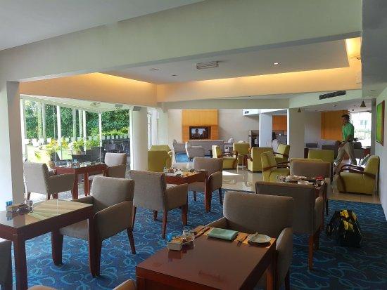 Holiday Inn Kuala Lumpur Glenmarie: Club Lounge