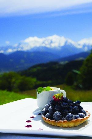 Cordon, France: Tartelette Myrtille et sa Vrai crème Chantilly