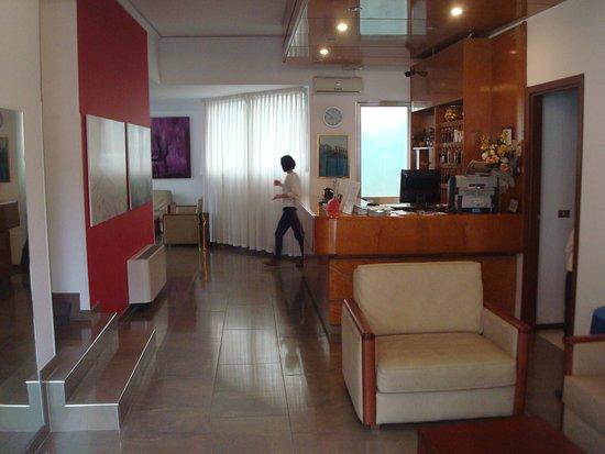 Aurora Hotel Photo