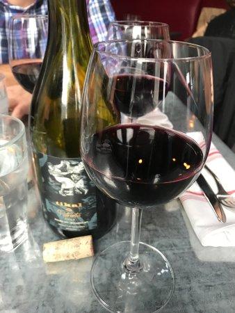 North Tonawanda, NY: So so wine