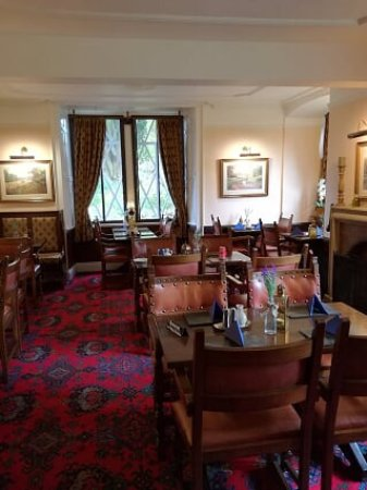 Stow Lodge Hotel: the bar
