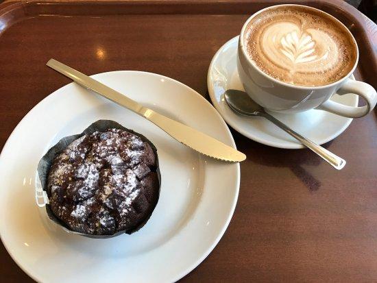 Henry's Coffee House: photo0.jpg