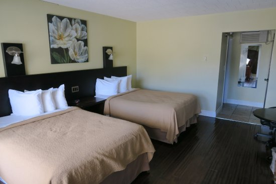 Quality Hotel Fallsview Cascade : Two queen size bed
