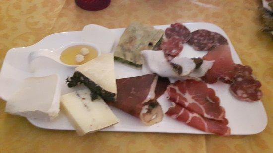 Villafranca in Lunigiana, Italien: 20170402_132456_large.jpg