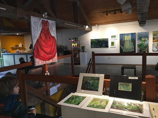 Île Gabriola, Canada : gallery on second floor