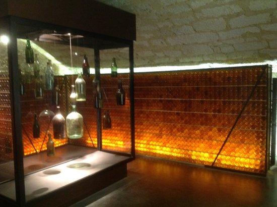 Monbazillac, France: Wine cellar