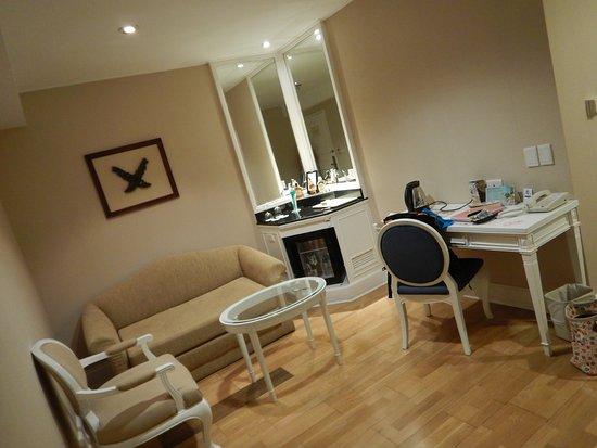 Hotel Windsor Suites & Convention Bangkok : For-rommet i suiten vår