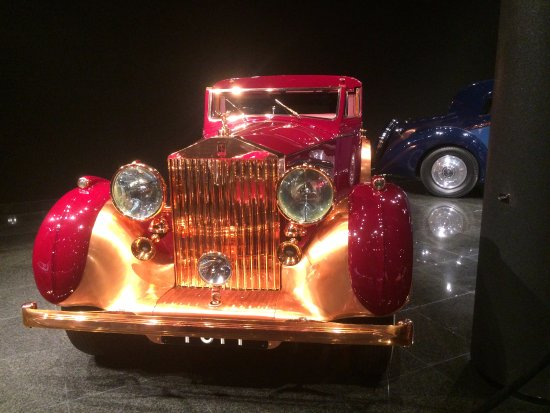 Danville, CA: Blackhawk automotive museum