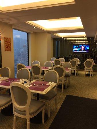 Silka Seaview Hotel: В кафе рано утром мы первые