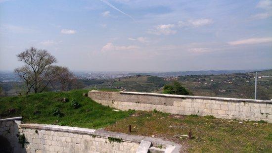 San Briccio, Italien: Veduta sulla vallata