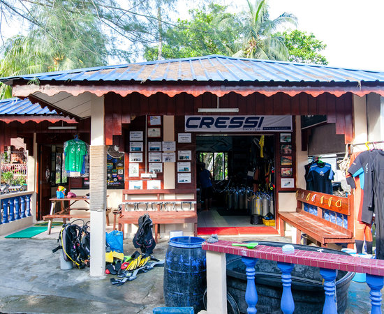 Dive Shop Review Tiomen Island
