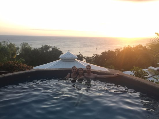 Rochers Caraibes-Eco Village: The pool at sunset!