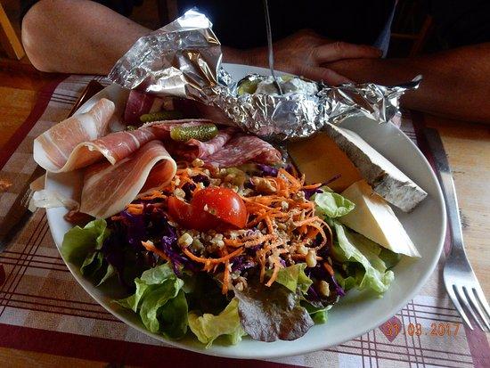 La Feclaz, France: assiette du randonneur