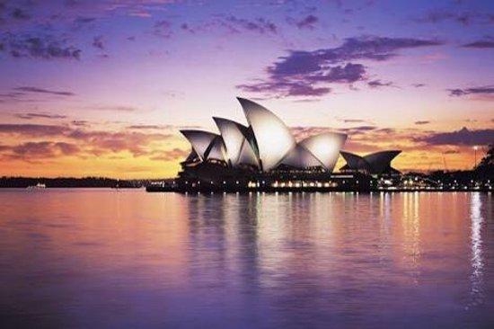 Opera Australia: photo0.jpg