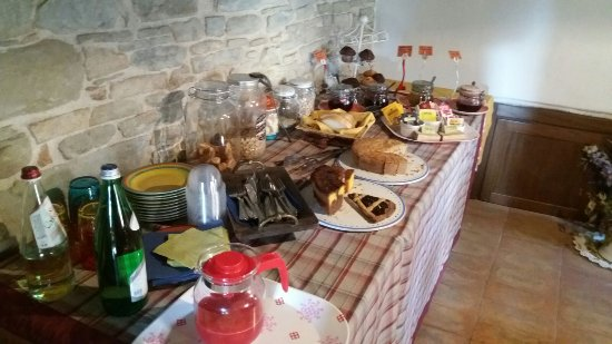 Mercatello sul Metauro, Itália: buffet colazione
