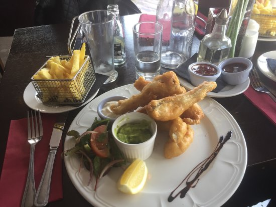 Drogheda, Ireland: Great food, reasonable prices. Glad to have had lunch there. Chicken wings & Fish and chips was
