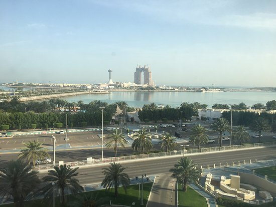 Hilton Abu Dhabi: Out of window on 6th floor. Subway is bottom right.