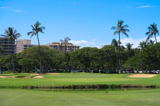 Kaanapali Golf Courses : last 3 or 4 holes goes right through the resort