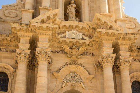 Duomo di Siracusa: Lovely Baroque Facade