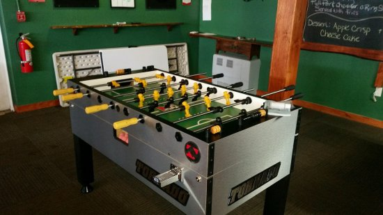 Meredith, NH: Foosball, pool & lots of fun!!