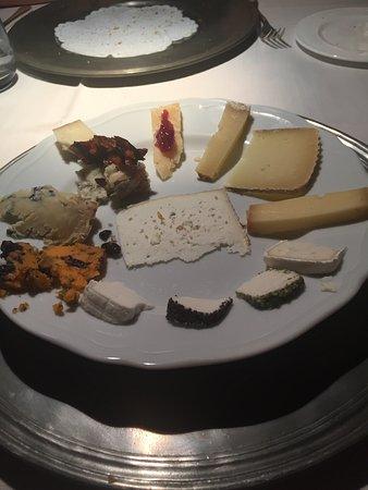 Gignod, Italia: quadrante di formaggi