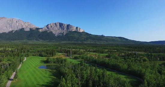 ‪‪Seebe‬, كندا: Aerial Photo of #3 and Mt. Yamnuska‬