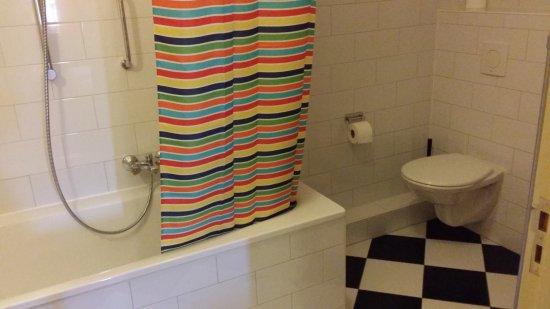 Hotel de Emauspoort: salle de bains