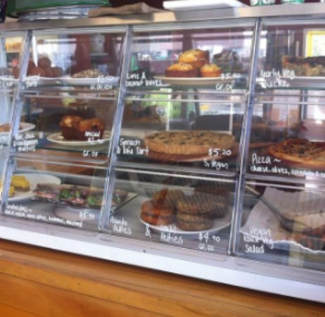 Nelson-Tasman Region, Nueva Zelanda: Our yumm food cabinet. ♥♥♥♥☺
