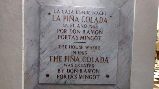 Barrachina Restaurant: Plaque commemorating the birth place of the Pina Colada