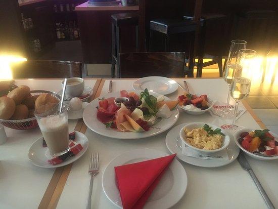 Forsters: GROSSES Frühstück für zwei!