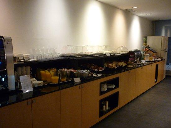 Onix Liceo Hotel: Buffet petit-dejeuner