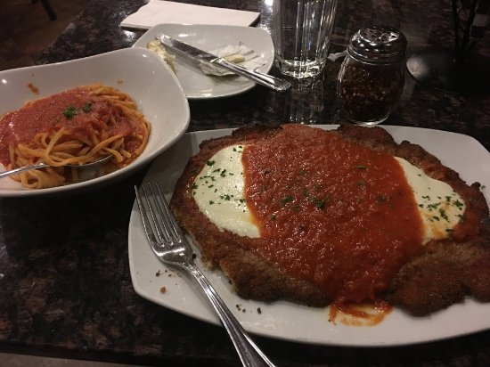 Succasunna, Nueva Jersey: Pork Cutlet Parmesan w/fresh linguine and dull marinara