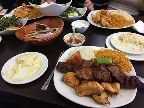 Bedfordshire, UK: Mixed grills and chicken shish