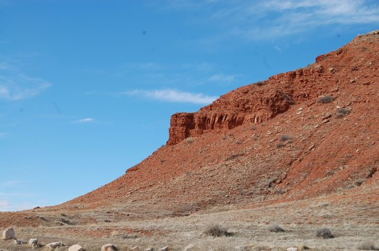 Red cliffs at Hot Springs State Park - Picture of Hot Springs State