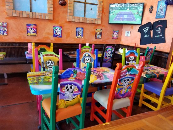 Vaqueros Grill and Cantina: Colorful decorations inside