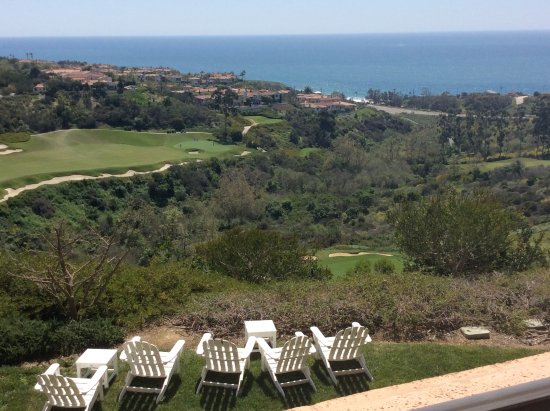 Marriott's Newport Coast Villas: View off our deck. That gorgeous golf course is the Pelican Hill Golf Club- expensive.